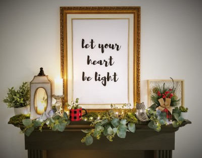 Designing a Beautiful Holiday Mantel - Plus Free Printables!